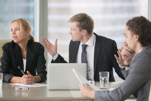 有害な職場環境の7つのサイン
