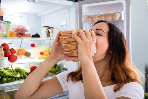 不安からくる空腹をコントロールする方法