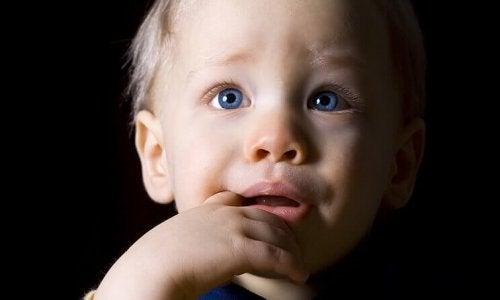 幼少期の鬱:未知、混乱、忘却