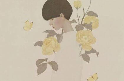黄色の花と女性