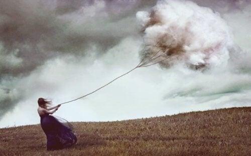 雲を集める