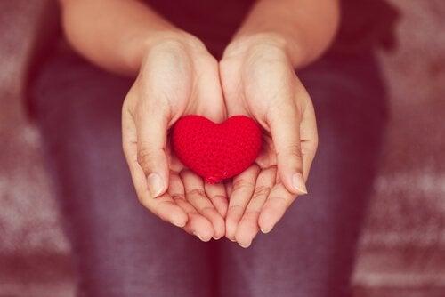 心から与えること:共感的・非暴力コミュニケーション