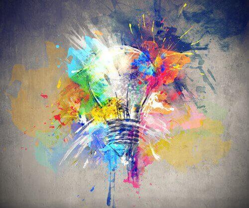社会に左右される創造力