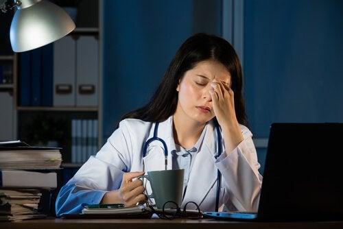 夜働くとあなたの健康にどんな影響があるのか?