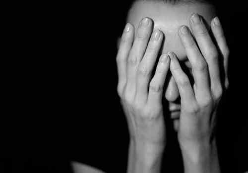 虐待ーなぜそれほどまでに抜け出すのが難しいのか?