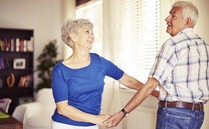 高齢者がダンスをすることのメリット