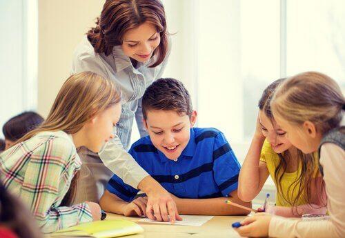 ジグソー法:学校での統合への回帰
