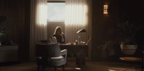 「ホームカミング」:感情と記憶にまつわる心理スリラー