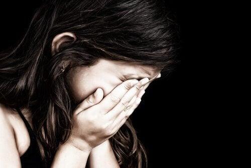 子どもに見られる病的な悲しみ