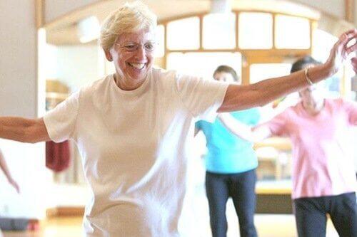 高齢者のダンス