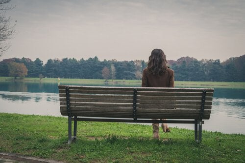 過度に孤独でいることの影響性