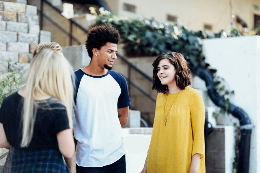 思春期の巨人:10代が直面するチャレンジ