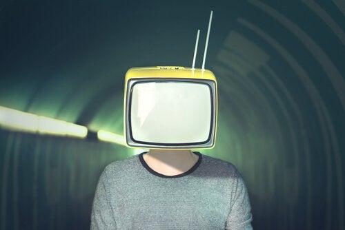メディア操作:メディアが操作に使う10の方法