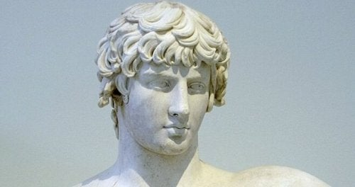 デモステネスの像