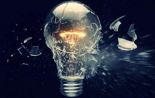 電球と計画的陳腐化