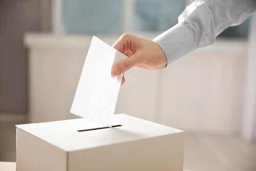 投票に影響する要因とは?スペインの例