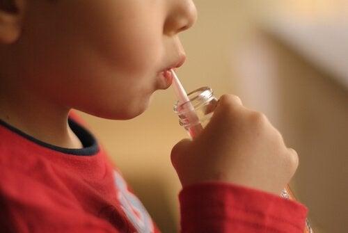 炭酸ジュースと子どもの攻撃性との関係