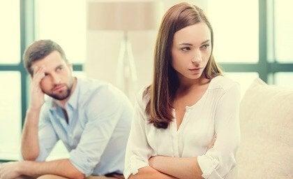 「ほのめかし」は人間関係を傷つける
