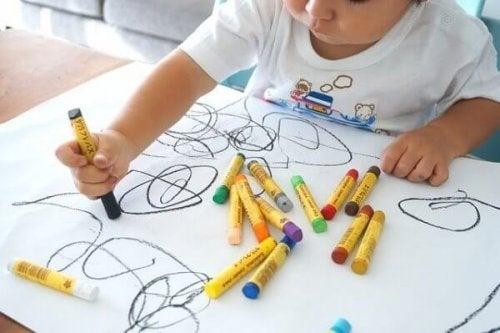 子どものお絵描き:段階と成長