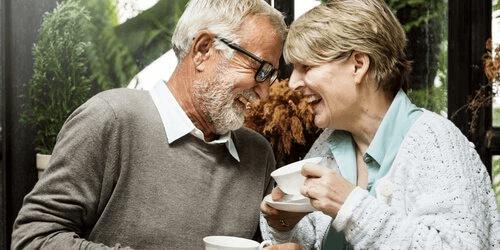 高齢者の幸福を左右するものとは