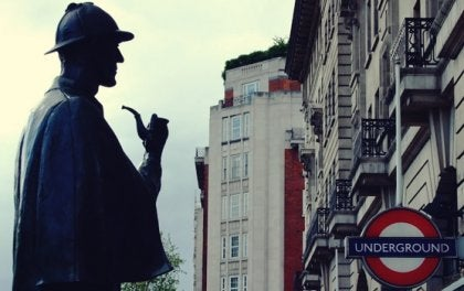 シャーロック・ホームズの思考を身に着けるには