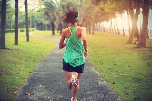 運動とメンタルヘルス:適度な運動量とは?