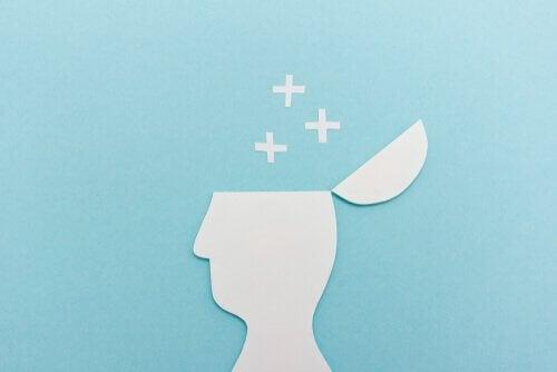 スタンバーグの知能の三頭理論