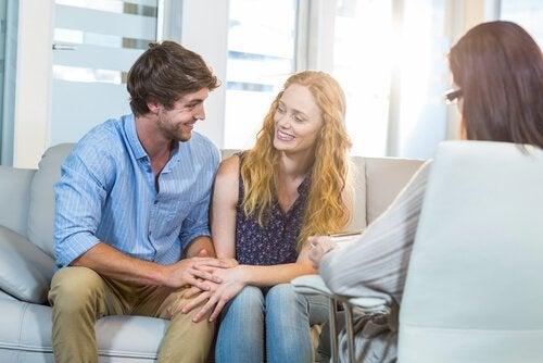 約8割のカップルの関係を改善するカップルセラピー
