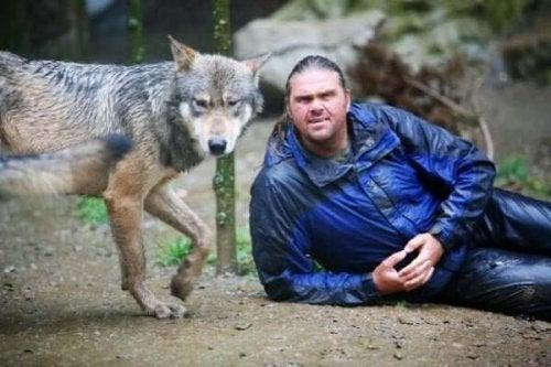 ショーン・エリス:オオカミと生きた男