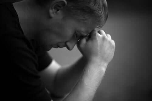 性的虐待によって少年や男性が受ける傷跡
