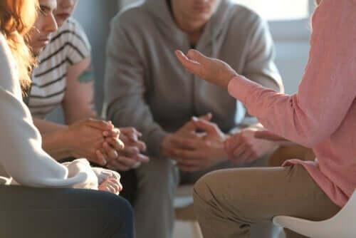 統合失調症に統合的心理療法を使用する方法