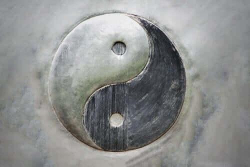 物事の二元性:陰と陽の概念
