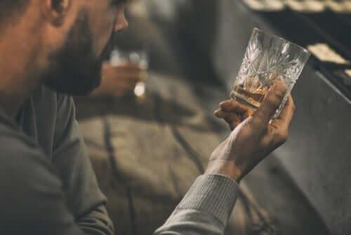 アルコール依存症 心理的治療