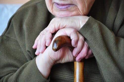 高齢者 夕暮れ症候群