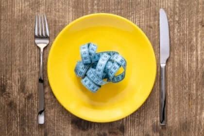 摂食障害 人格 関係性