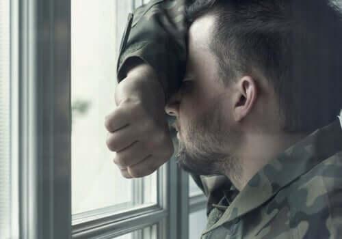 兵士が患う病:心的外傷後ストレス障害
