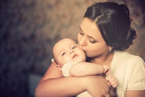 母になるということ:訪れる変化とその対処法