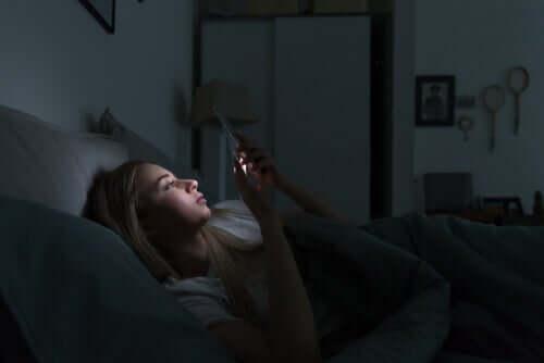 電子機器と睡眠の変化