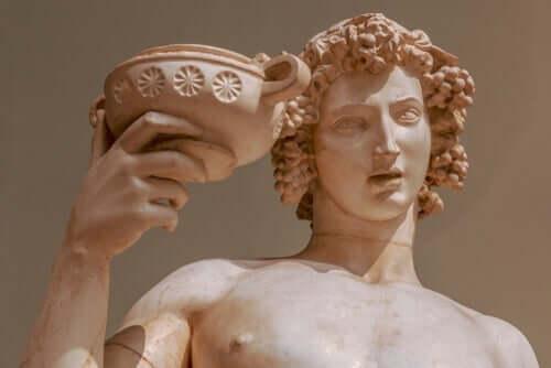 ディオニューソス神話:ぶどう酒と酩酊の神