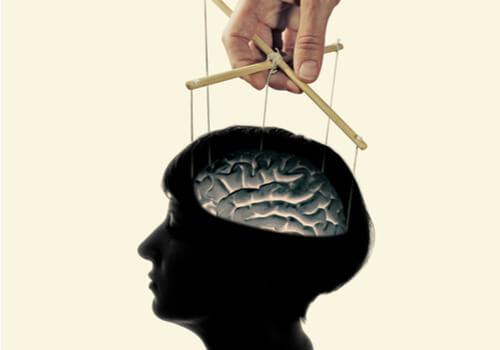 洗脳は本当にある?それとも作り話?