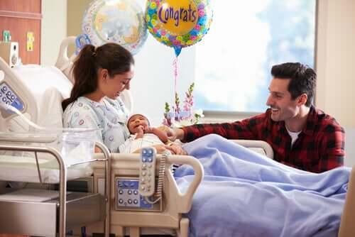 赤ちゃん 左側に抱く