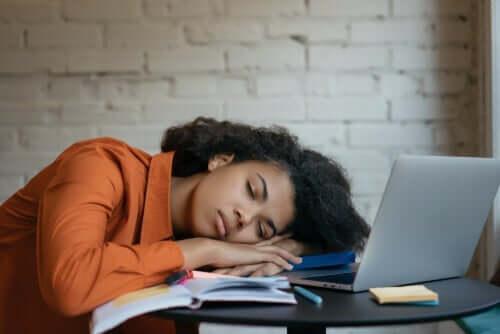 過度の疲れ(過眠症)について