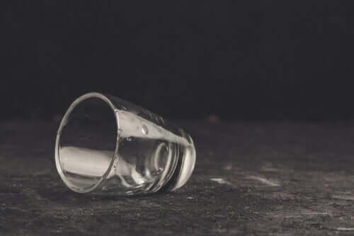 自己欺瞞とアルコール依存症