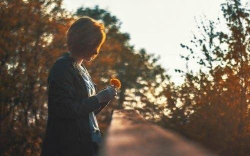 一人でいることと 孤独を感じることと 違い