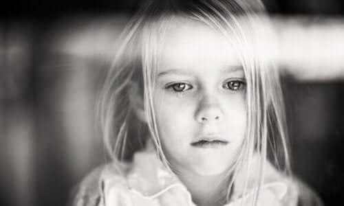 子どもの慢性的な痛み:見逃される病気