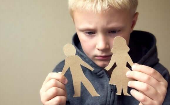 親が子どもを責める育児スタイルを使うとどうなる?