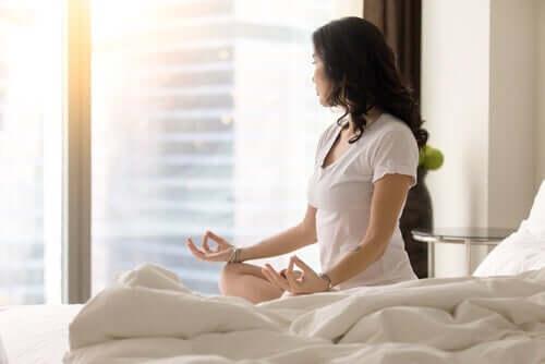 自宅 瞑想 エクササイズ