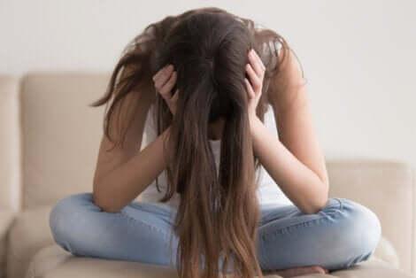 ラプンツェル症候群の症状、原因、および治療について