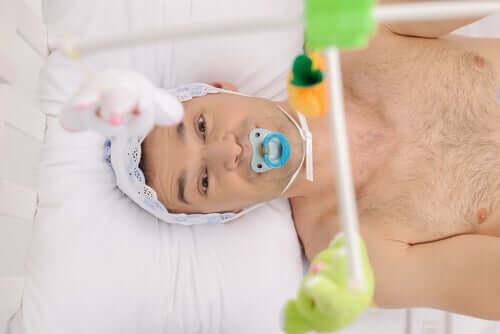 オートネピフィリア:赤ちゃんになりきる大人