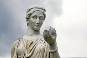 オリュンポス山の女主人的女神、へーラーの神話